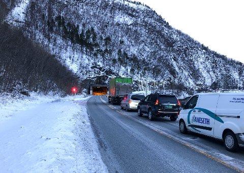 OMKOM: Alexander Sollihaug og Elias Dypaune mistet livet i en kollisjon mellom en personbil og en lastebil inne i tunnelen torsdag formiddag. Foto: Michael Jensen Olafsen / Avisa Nordland / NTB scanpix