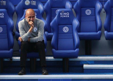 Pep Guardiola under Manchester Citys kamp borte mot Leicester 11.september
