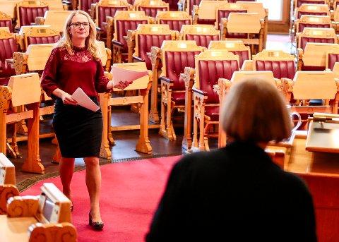 Arbeids- og sosialminister Anniken Hauglie (H) hevder uføretrygdede som blir alderspensjonister, kan få opptil 50.000 kroner mer i pensjon enn yrkesaktive. Foto: Lise Åserud / NTB scanpix