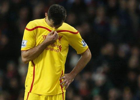 DYR OG DÅRLIG: Dejan Lovren har hatt store problemer med å finne formen i Liverpool.