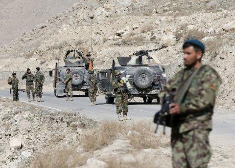 Afghanske sikkerhetsstyrker hevder å ha drept minst 200 IS-soldater øst i landet de siste ukene.