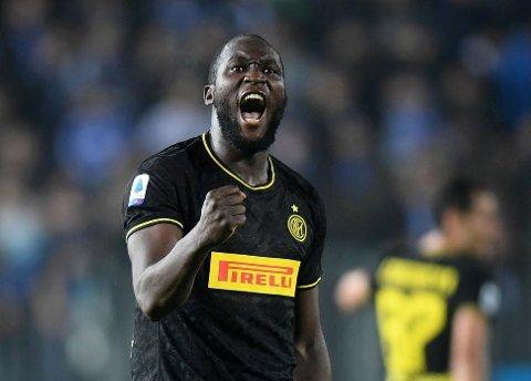 Romelu Lukaku kan lage trøbbel for Dortmund-forsvaret i kveld. Her jubler han etter sin andre scoring mot Brescia i Serie A.