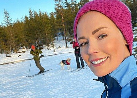 HJEM TIL JUL: Gunhild Stordalen gleder seg til skikkelig familiejul hos foreldrene, før hun i 2021 har planer om å «gi bånn gass med EAT og FN-toppmøtet om sunne bærekraftige matsystemer». Foto: Privat