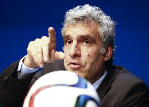 SVARTE FOR FIFA: FIFA-talsmann Walter De Gregorio møtte pressen.
