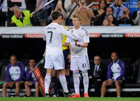 TULLERYKTER: Ekspertene har lite tro på at Martin Ødegaard er på vei bort fra Real Madrid.