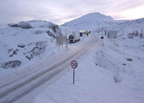 E10 over Bjørnfjell (502 meter over havet) fredag formiddag.