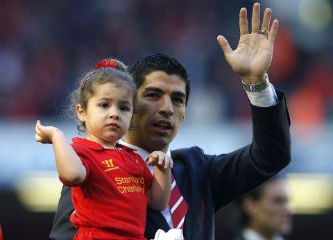 VENTER: Dommen mot Luis Suarez vil trolig falle neste uke.