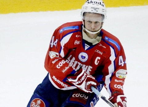 VIKTIG SEIER: Kenneth Larsen, her fra tiden som spiller i Lørenskog, var fornøyd med seier i Stavanger.