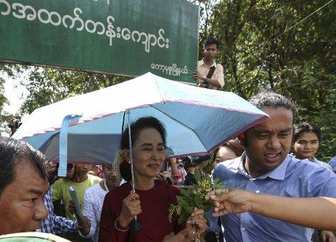 KAN BLI LEDER I MYANMAR: Aung San Suu Kyi satt i husarrest i 20 år og mottok Nobels fredspris i 1991. Nå kan hun bli øverste leder i Myanmar.
