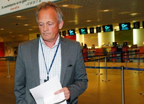 SER IKKE MULIGHETER: Pål F. Tandberg, direktør på Rygge sivile flufthavn, etter at styret har gjort vedtak om nedleggelse hvis Ryanair gjør som de har varslet.