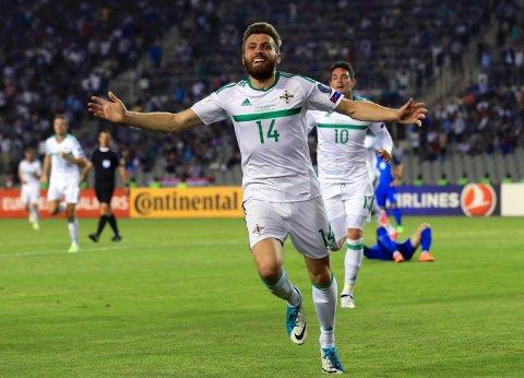 HELT PÅ TAMPEN: Nord-Irlands Stuart Dallas kunne feire kampens eneste mål i Baku da det var spilt over 90 minutter mot Aserbajdsjan.