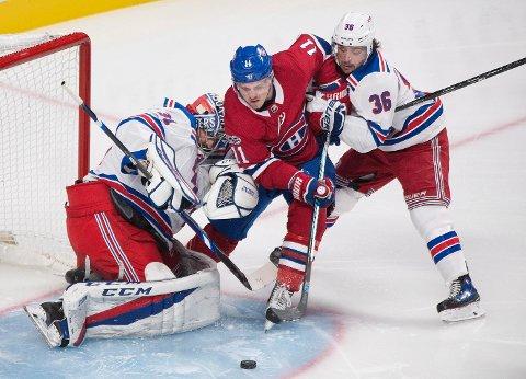 TUNGT: Mats Zuccarello (til høyre) og keeper Ondrej Pavelec sliter fortsatt med å skaffe poeng til New York Rangers. Natt til søndag tapte laget for Brendan Gallagher og Montréal Canadiens.