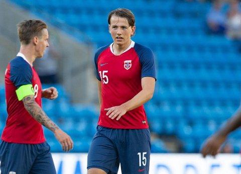 I KONTAKT: Sander Berges klubb Genk og La Liga-storlaget Sevilla er i dialog om framtida til 20-åringen. Her er Berge avbildet under landskampen med Norge mot Panama i forkant av VM.