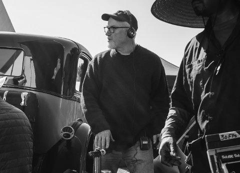 David Fincher er nominert til ti Oscar-priser for filmen «Mank». Her er han under innspillingen. Foto: Gisele Schmidt / Netflix via AP / NTB