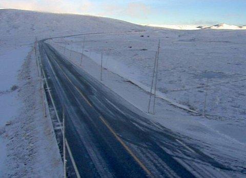 FAREVARSLER: Blant annet her på riksvei 7 over Hardangervidda venter meteorologene uvær og vanskelige kjøreforhold denne helgen.