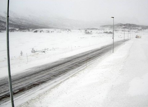 MÅTTE MELDE PASS: E16 over Filefjell pleier å holde åpent, selv når det stormer som verst. Fredag måtte Vegtrafikksentralen vest melde at også denne fjellovergangen stenges.