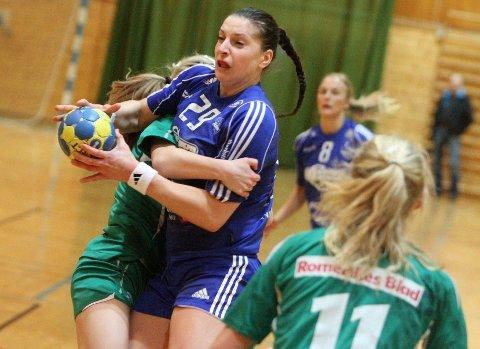 Storscorer Senka Buljan ble effektivt pakket inn av Fjellhammers spillere.