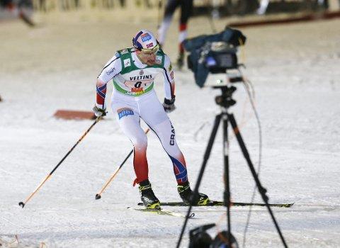 NUMMER TRE: Jan Schmid spurtet inn til tredjeplass i søndagens kombinertrenn.