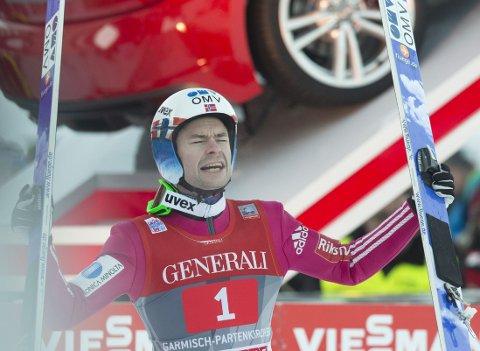 Den sveitsiske avisen Blick hevder Anders Jacobsen lurer FIS med denne dressen.