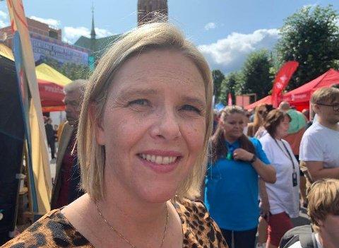 STATSRÅDKRANGEL: Eldre- og folkehelseminister Sylvi Listhaug (Frp) er i en opphetet krangel med en svensk statsråd. Tirsdag møtte Nettavisen henne foran Frps valgbod i Arendal.