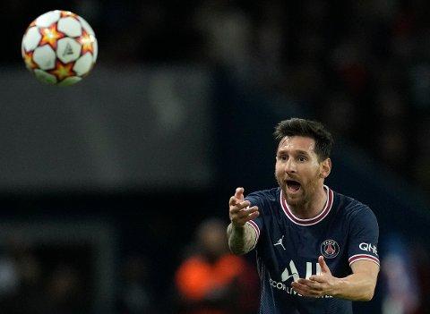 Lionel Messi mottok den siste Ballon d'Or-prisen i 2019. Prisen deles ut 29. november etter å ha vært avlyst i fjor. Foto: Christophe Ena / AP / NTB