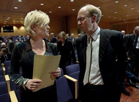 Tidligere finansminister Kristin Halvorsen (SV) sammen med tidligere Oljefond-sjef Knut Kjær under Norges Bank Investment Managements (NBIM) 10-årsjubileum i februar 2008.