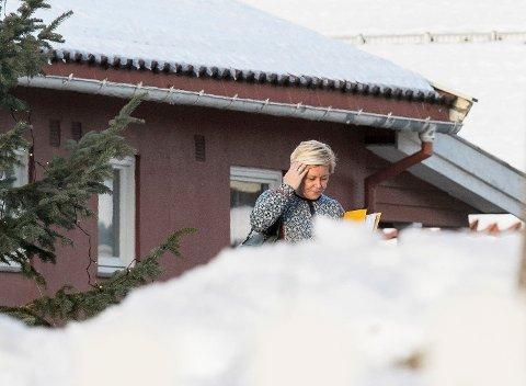 Frp-leder Siv Jensen tar bladet fra munnen og irettesetter sin tidligere justisminister Per-Willy Amundsen.