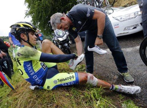 BRUDD: Alberto Contador fikk brudd i leggbeinet av fallet på den tiende etappen av Tour de France.