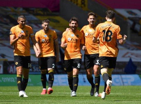 OPPTUR: Wolverhamptons Diogo Jota fastsatte resultatet til 3-0 i kampen mot Everton søndag.