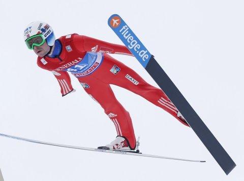 IMPONERTE: Anders Jacobsen hoppet lengst av alle i kvalifiseringen.