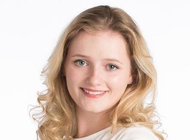 TRAKASSSERT: KrFU-politiker Julia Sandstø (20) sier hun varslet to ganger om at hun ble trakassert og forfulgt av en eldre KrFU-politiker.