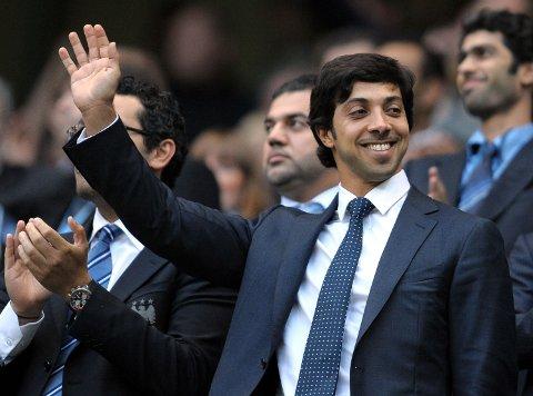 Manchester City-eier Sheikh Mansour bin Zayed Al Nahyan (vinkende) har også eierinteresser i Melbourne City.