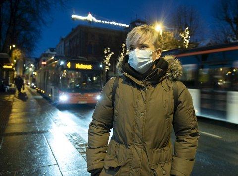 Therese Saksvik var på vei til jobb i Bergen sentrum mandag morgen og fortalte at bussen nesten var tom.