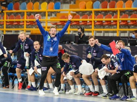 """Christian Berge kan likevel få muligheten til å stille sitt beste mannskap i """"hjemmekampen"""" mot Latvia i EM-kvalifiseringen. Foto: Egypt2021 / NTB"""