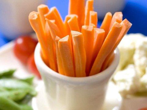 SUNT: Frukt går som regel ned på høykant hos de fleste barn, spesielt søte frukter. Grønnsaker er det ofte verre med.