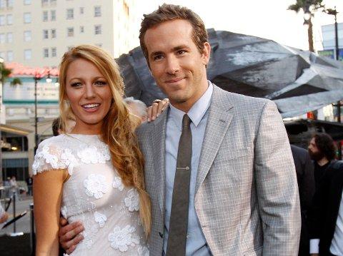 Skuespilleren Ryan Reynolds har sammen med kollega Rob McElhenney gått inn i National League-klubben Wrexham. Her er han sammen med skuespillerkonenBlake Lively.