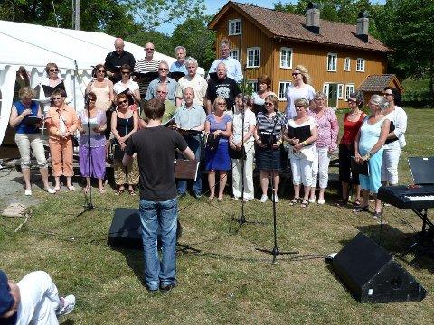 festival: Kor 21 synger på Tromøya ved Arenda - anledningen Arendal korfestival i fjor.