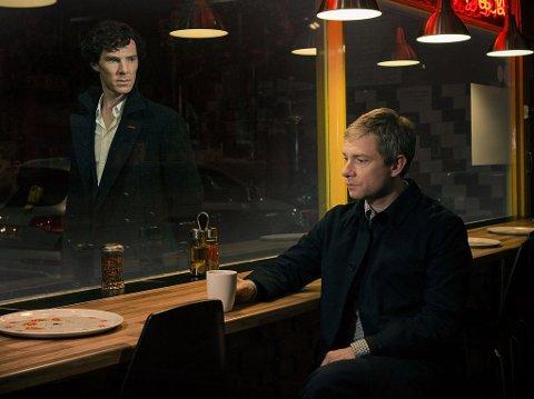 SHERLOCK VENDER HJEM: Men det har gått to år når Benedict Cumberbatchs Sherlock møter igjen en sorgtunget, men likevel forandret John Watson. Og kanskje blir hjemkomsten like hard for Sherlock som for John Watson.