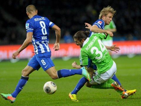 SCORET: Per Ciljan Skjelbred scoret for Hertha Berlin mot Wolfsburg.