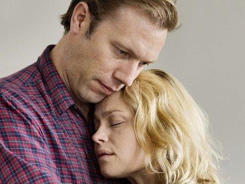 JAKOB CEDERGREN og Helle Fagralid i rollene som Johannes og Signe i filmen «Sorg og glede», som handler om regissør Nils Malmros og hans kone Mariannes store tragedie.