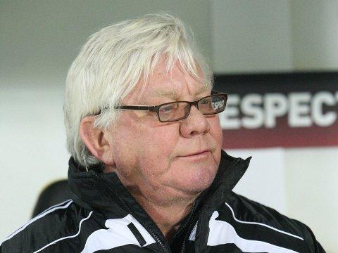 PÅ BEDRINGENS VEI: Nils Arne Eggen håper å være tilbake på treningsfeltet snart