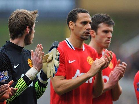 BORT FRA UNITED?: Rio Ferdinand og Michael Carrick kan forsvinne fra United til West Ham i sommer.