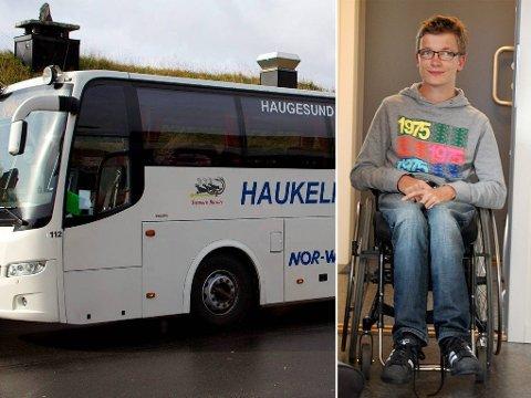 IKKE SÅ ENKELT: Kan en bussjåfør si nei til å ta med en rullestolbruker? Spørsmålet ble aktuelt for Jørgen Johansen i påsken. Heldigvis løste det seg - takket være en medpassasjer.
