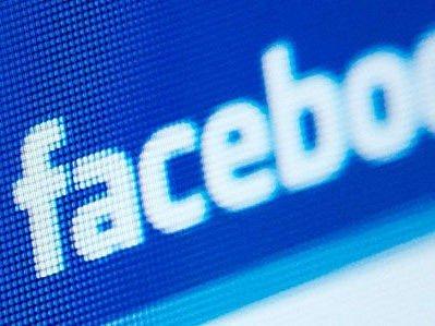 FARLIG FARVANN? Norske arbeidstakere har mistet jobben etter uforsiktige statusoppdateringer på Facebook.