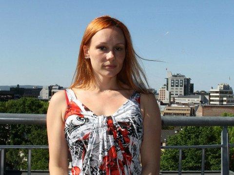 KREVENDE START PÅ LIVET: 27 år gamle Aina Veronica Jakobsen vokste opp med en mor som var rusavhengig.