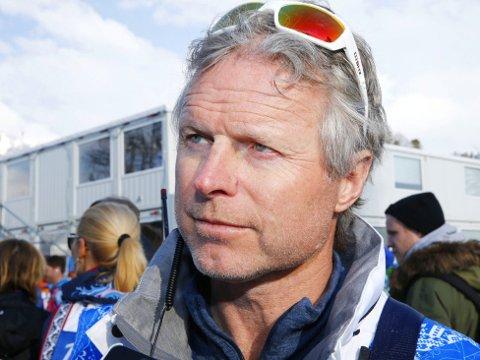 GLEDER SEG: - Det er veldig interessant å være med på å påvirke hva som skjer i internasjonal langrenn, sier Åge Skinstad.