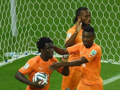 SATTE FYR I ELFENBENKYSTEN: Elfenbenkysten virket rådville uten Didier Drogba fra start. 36-åringens introduksjon ga inspirasjon.