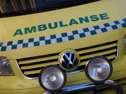 BLE ERKLÆRT DØD: Da politiet ankom holdt helsepersonell på med livreddende førstehjelp, men de måtte oppgi forsøket.
