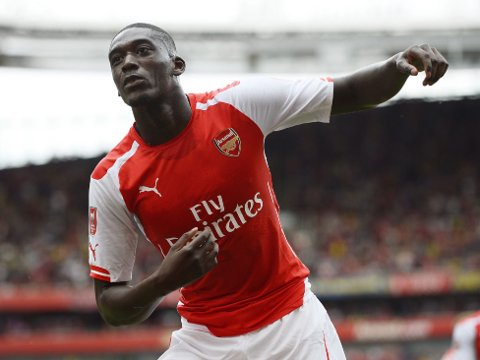 SCORET FIRE: Arsenals Yaya Sanogo kunne juble for fire mål mot Benfica lørdag kveld.