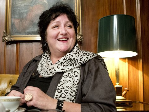 Anne B. Ragde sier at det er en veldig god følelse å ha skrevet bok om seg selv og sin mor.